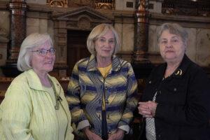 Janis Lee, Lana Oleen, Joan Wagnon, Kansas